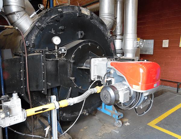 Un motor de una maquina a gas propano